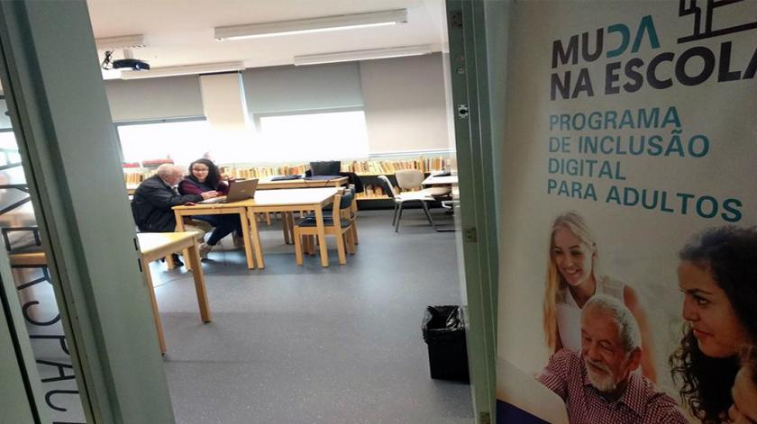 Escolas de Braga ajudam na inclusão digital de idosos