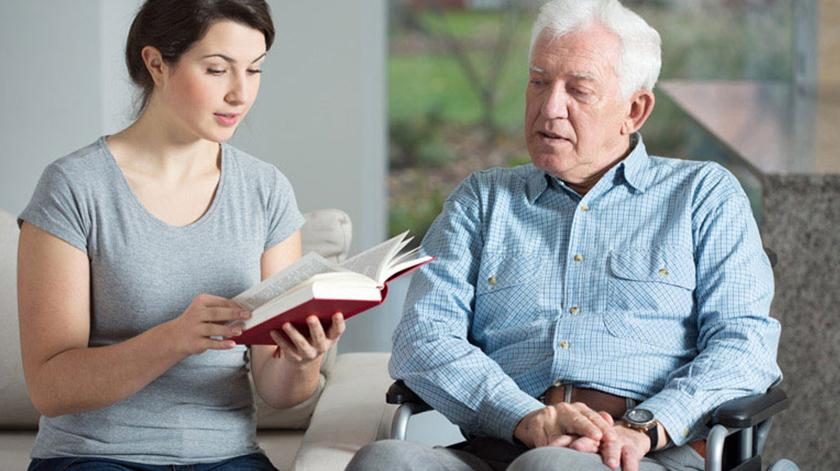 Pedem inclusão dos cuidadores informais na Lei de Bases da Saúde