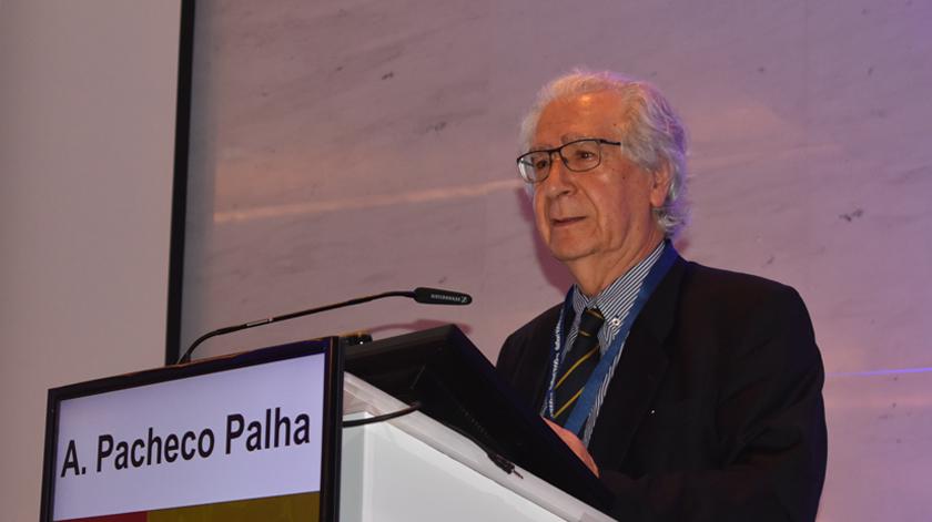 Professor Doutor António Pacheco Palha jubilado após 45 anos na Psiquiatria