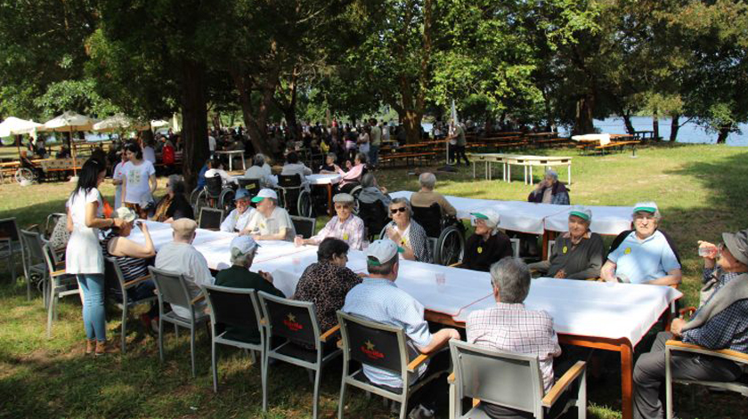 700 idosos do Vale do Minho em piquenique-convívio