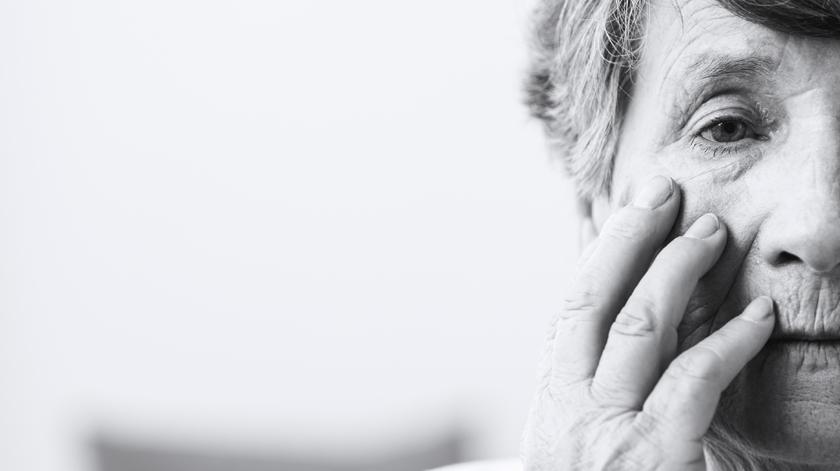 9 em cada 10 idosos sentem solidão durante tratamentos médicos