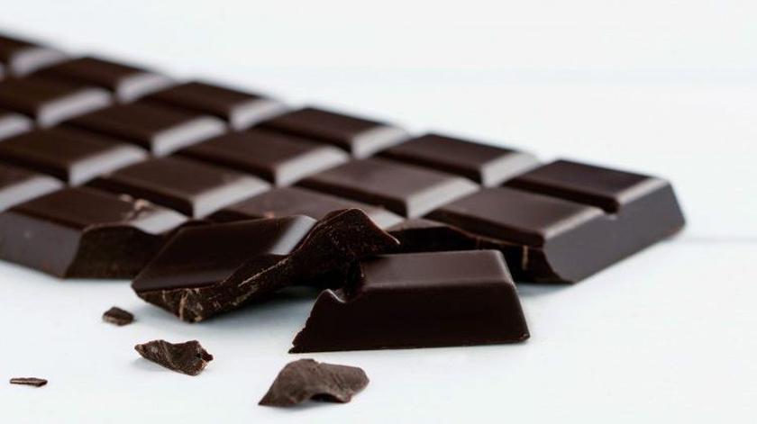 Chocolate negro pode diminuir risco de depressão