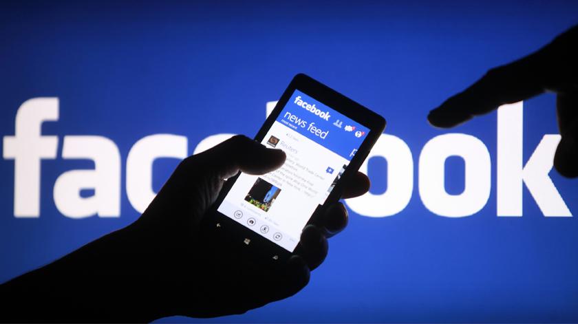 Facebook direciona utilizadores para informação credível sobre vacinas