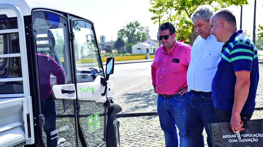 Veículo elétrico leva idosos às compras em Montemor-o-Velho