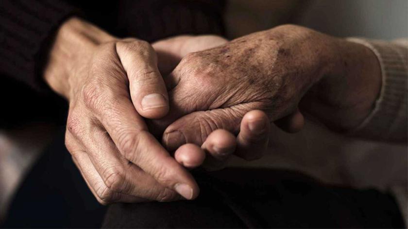 Filhos de pessoas com demência desenvolvem doença mais cedo