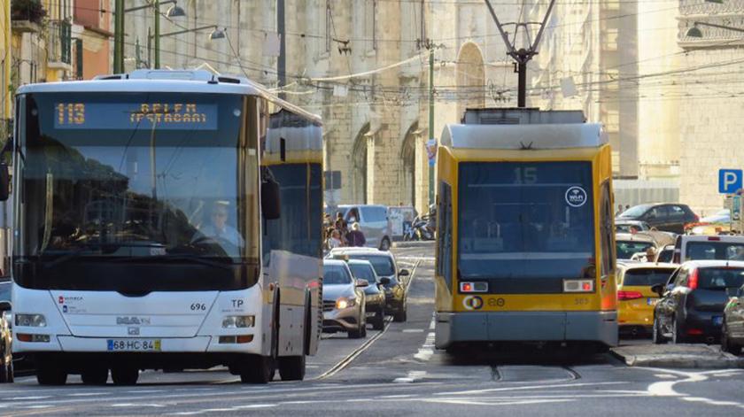 Passe social mais barato atrai idosos em Lisboa e Porto