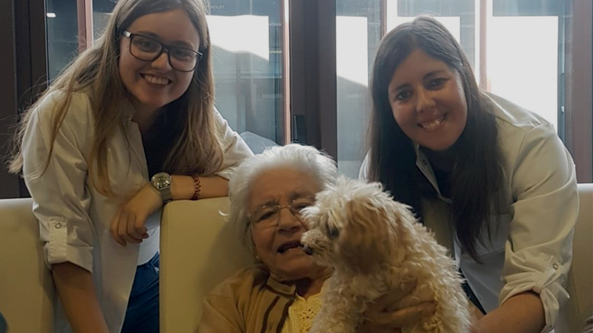Oldcare promove workshop sobre enfeites de Natal
