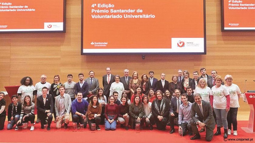 Projetos de combate ao isolamento dos idosos vencem Prémios Santander de Voluntariado Universitário
