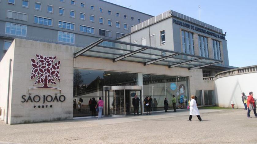 Hospital São João implanta dispositivo inovador em doentes com Parkinson