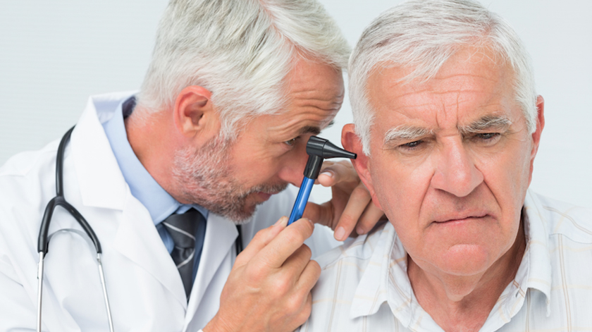 """Pessoas com prótese auditiva são """"tratadas como sendo menos competentes"""""""
