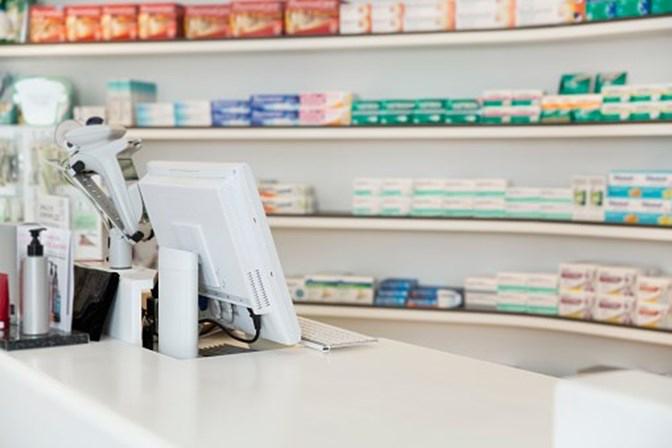 Covid-19: Bastonária dos Farmacêuticos apela para que se cumpram regras nas farmácias