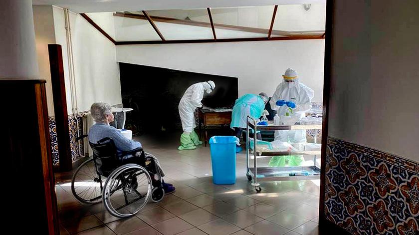 Covid-19: Mais de 17 mil testes em lares