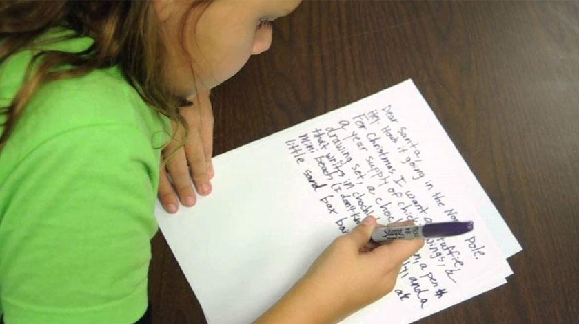 Crianças e jovens escrevem cartas a idosos para combater a solidão
