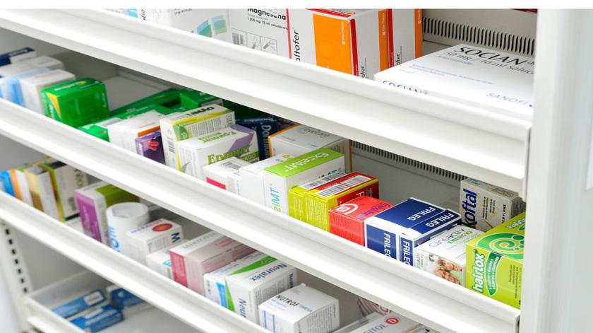 Linha gratuita para encomendar medicamentos ativa