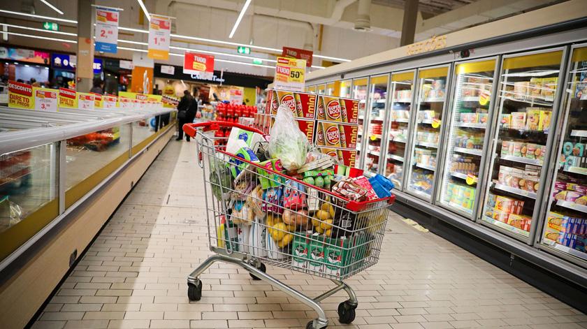 Covid-19: Continente faz entregas gratuitas para idosos
