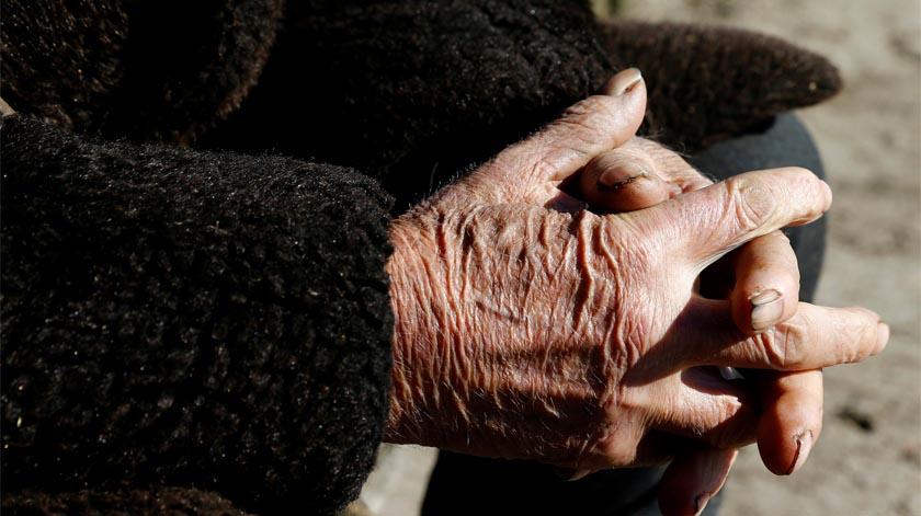 """Confinamento de idosos """"sem fim à vista"""" pode ser """"sentença de morte antecipada"""""""