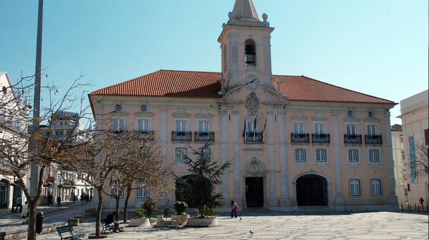 Covid-19: Câmara de Aveiro dá mais de 800 mil euros a associações de ação social