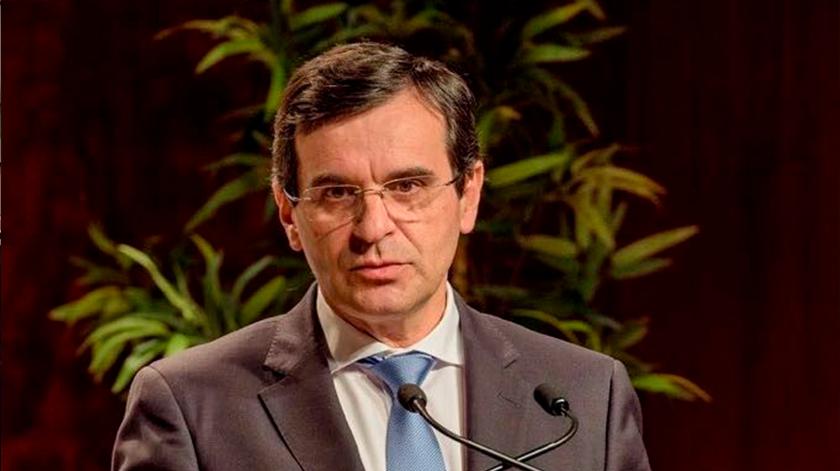 "Proteger os idosos ""é fundamental na próxima fase"", alerta ex-ministro"