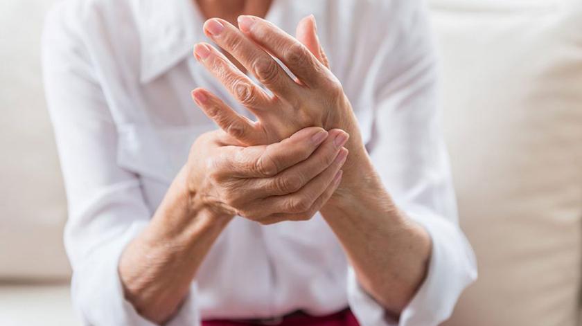 Covid-19: Dores e sintomas depressivos agravaram-se nos doentes com artrite reumatoide