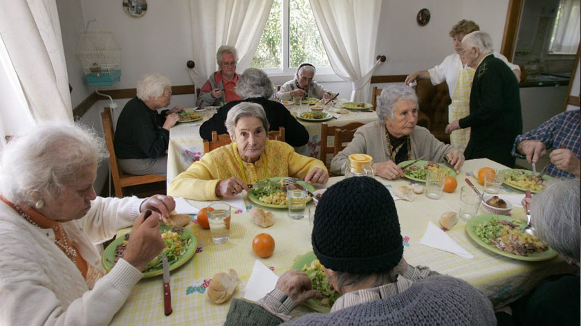 Bloco quer menos idosos institucionalizados em lares