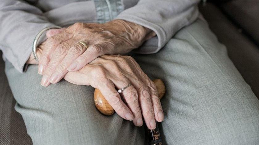 Covid-19: PCP volta a questionar Governo sobre lares de idosos