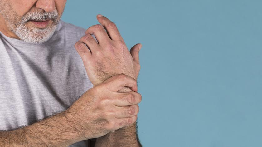 Estudo indica consequências do confinamento para doentes com AR