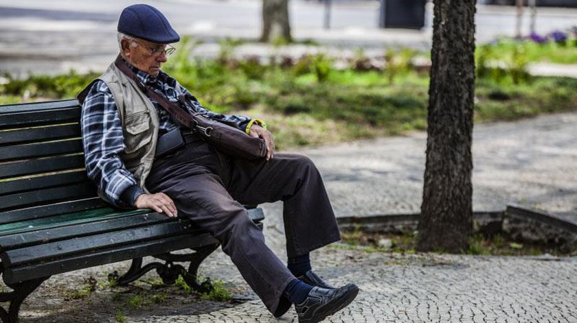 Covid-19: Estudo avalia impacto do isolamento social em adultos e idosos
