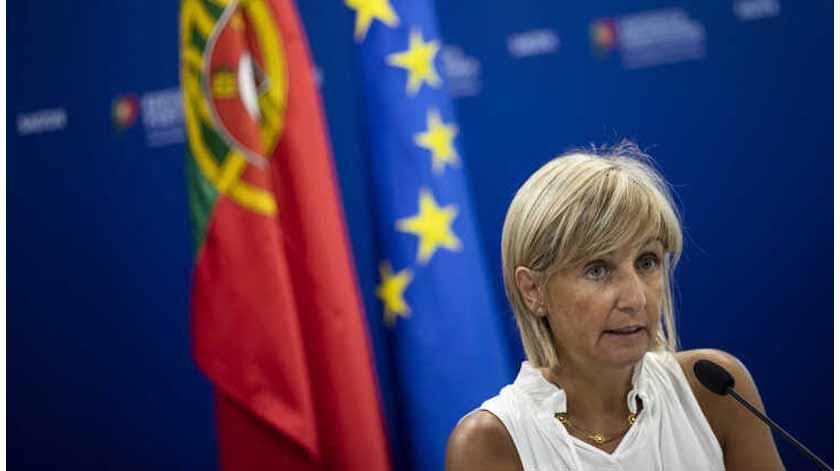 Covid-19: Marta Temido aponta falta de resposta à doença nos setores privado e social