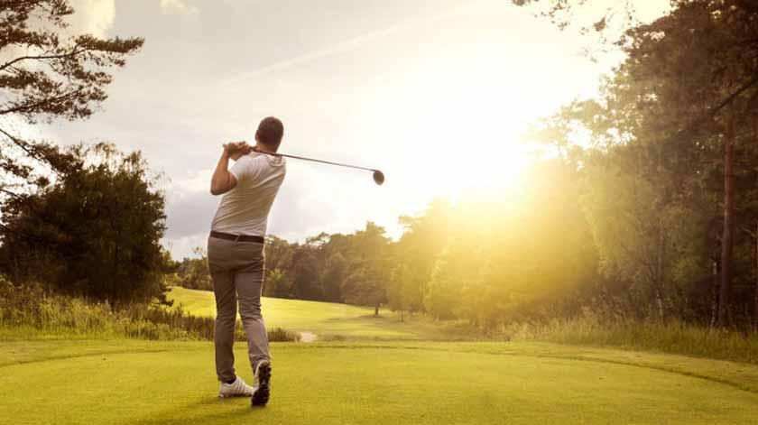 Golfe pode ajudar a melhorar saúde mental e doenças crónicas, diz estudo