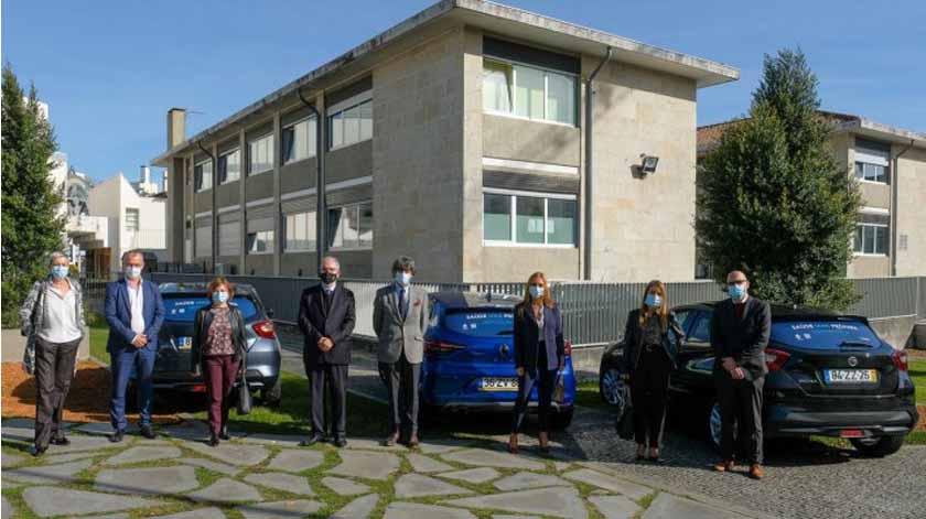 Covid-19: Câmara de Viana do Castelo cede três viaturas para cuidados de saúde domiciliários