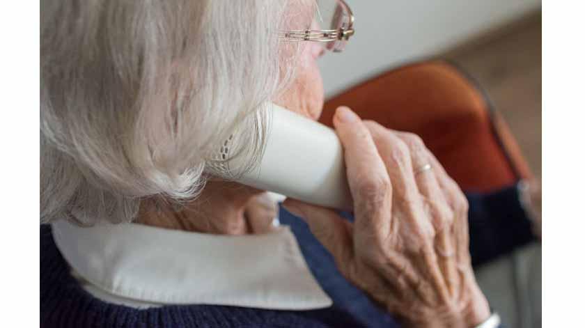 Câmara de Lisboa garante teleassistência a 100 idosos da capital