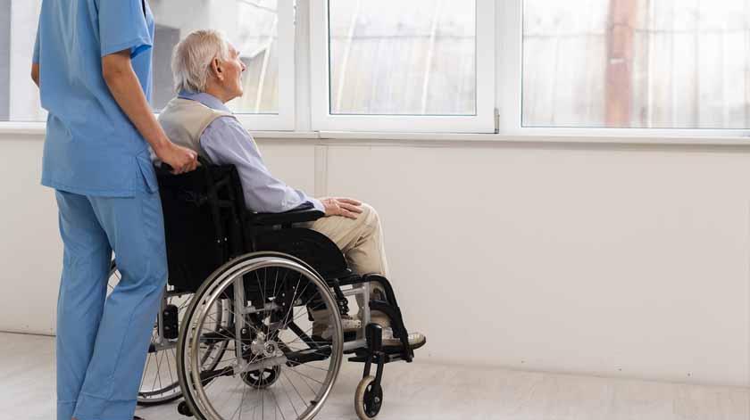 Covid-19: Especialista defende apoios específicos para idosos que vivem fora dos lares