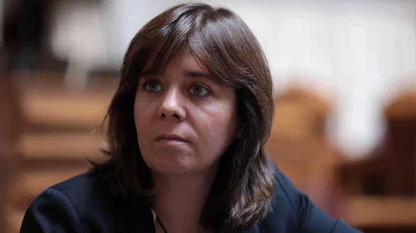 """Covid-19: Catarina Martins alerta para surtos em lares e diz que """"ninguém é descartável"""""""