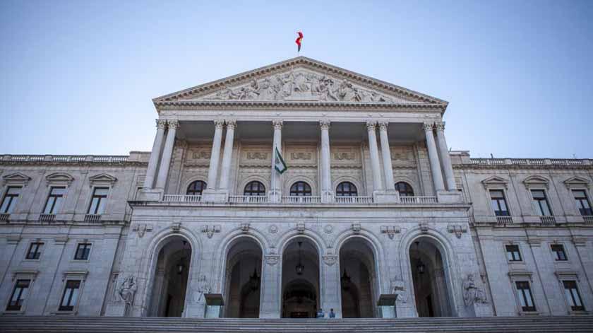 Eutanásia: O que prevê a lei e o que mudou no debate no parlamento?