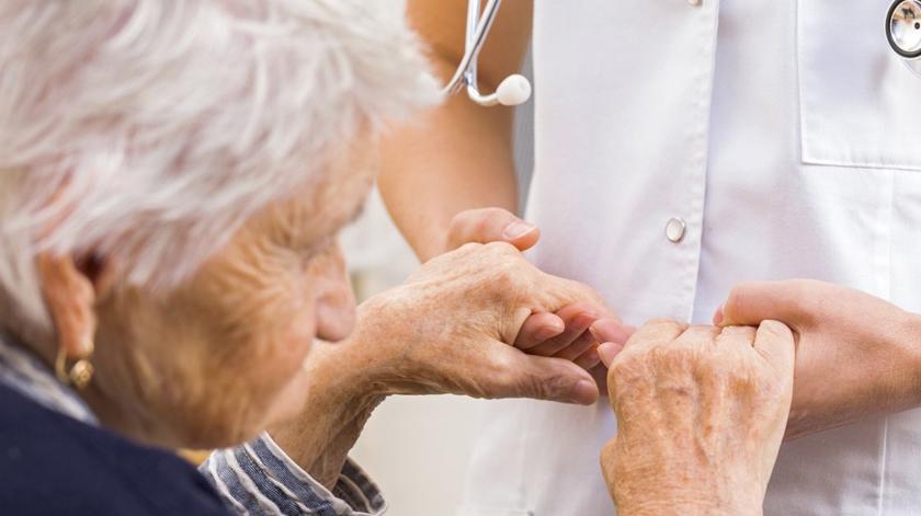 Hospital de São João implanta dispositivo que individualiza tratamento do Parkinson