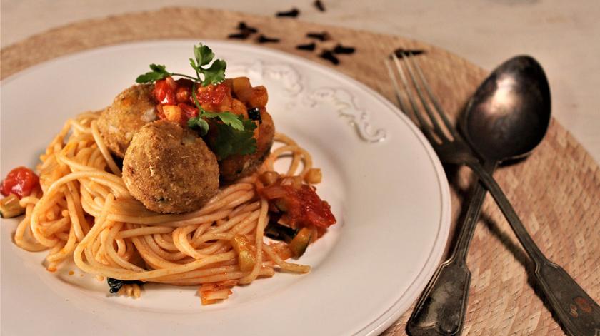Sugestão almoço/jantar: almôndegas de pescada e grão-de-bico