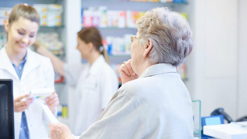 O atendimento ao idoso na farmácia