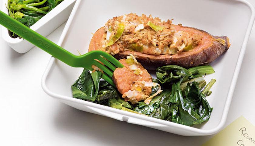 Batata-Doce Recheada com Soja e Legumes